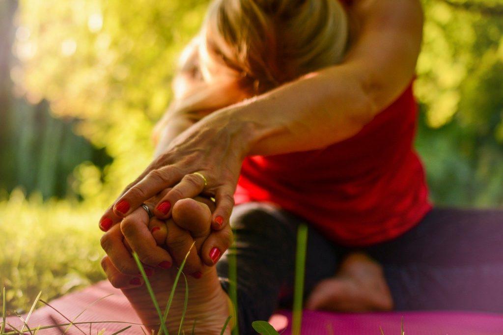 Yoga am Bach mitten im Schwarzwald - Zeit für Entspannung